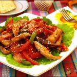 Как приготовить горячий овощной салат
