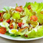 Простой салат из овощей и домашних сухарей, пошаговый рецепт с фото