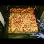 Как вкусно запечь картофель в духовке с крылышками